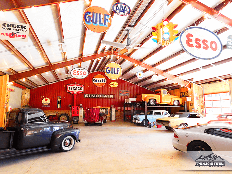 What I wouldn't give to have a garage shop just like this…
